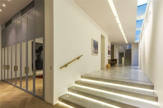 Hallway, W11
