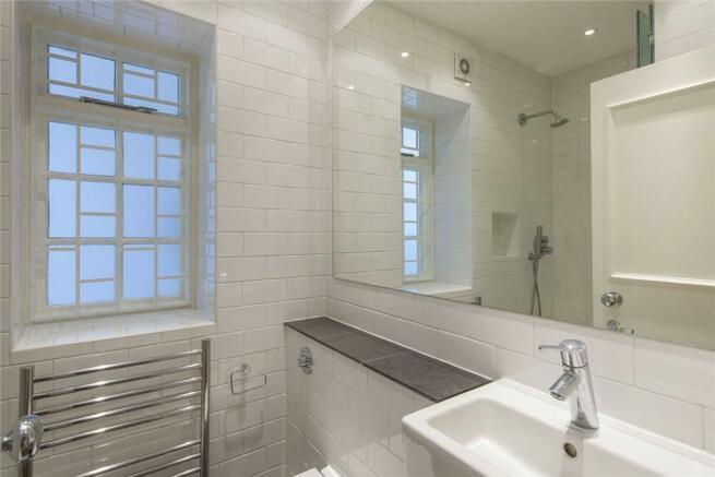 Shower Room, W11