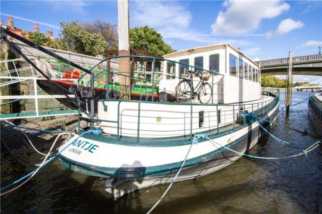 2 Bedroom House Boat For Sale In Cheyne Walk London Sw10