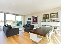 Flat for sale in Cubitt Building...