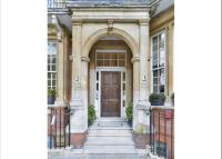 4 bedroom Flat for sale in Hans Place...