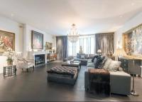 Flat for sale in Sloane Street...