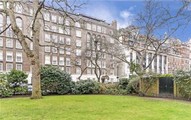 Lowndes Square Sw1