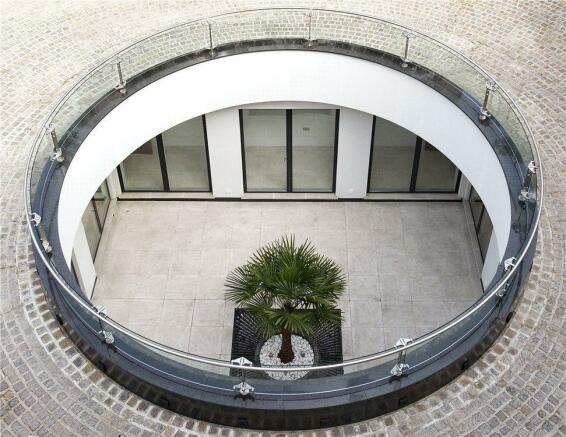 Courtyard Sw6