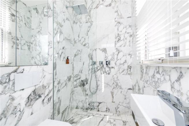 Marble Bathroom Sw1