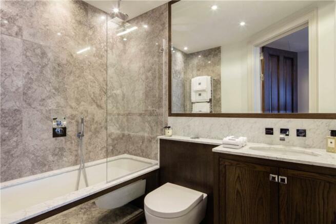 Bathroom Sw1