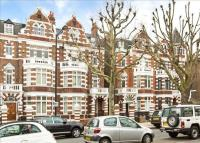 4 bed Maisonette for sale in Hamilton Terrace...