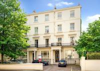 2 bed Flat for sale in Clifton Gardens...