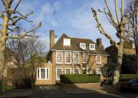 6 bed Detached home in Springfield Road...