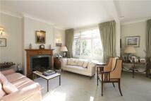 4 bedroom semi detached home in Grosvenor Hill...