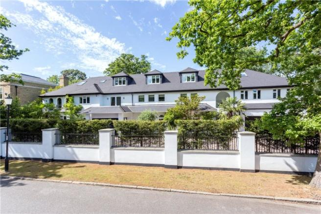 8 Bedroom Detached House For Sale In Coombe Park Kingston