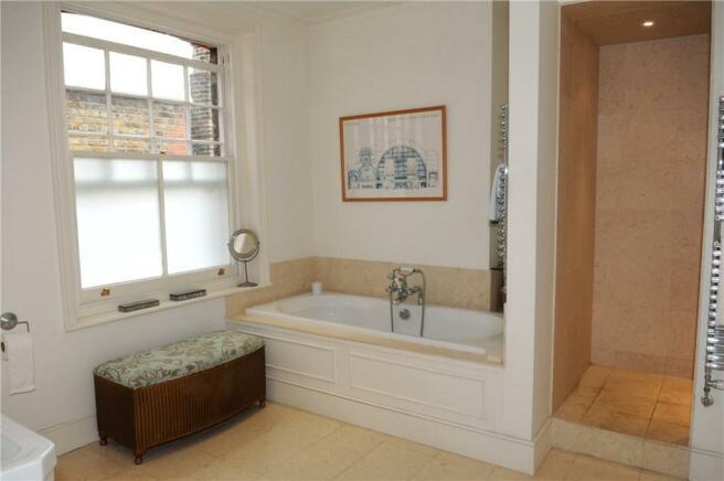 Sw19 Bathroom