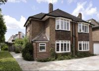 4 bedroom Detached house in Lyford Road, Wandsworth...