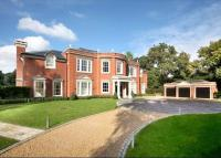 Detached house in West Drive, Wentworth...