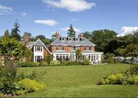 9 bed Detached property in Birdshill Road, Oxshott...