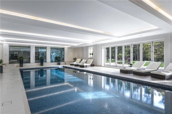 Windlesham: Pool