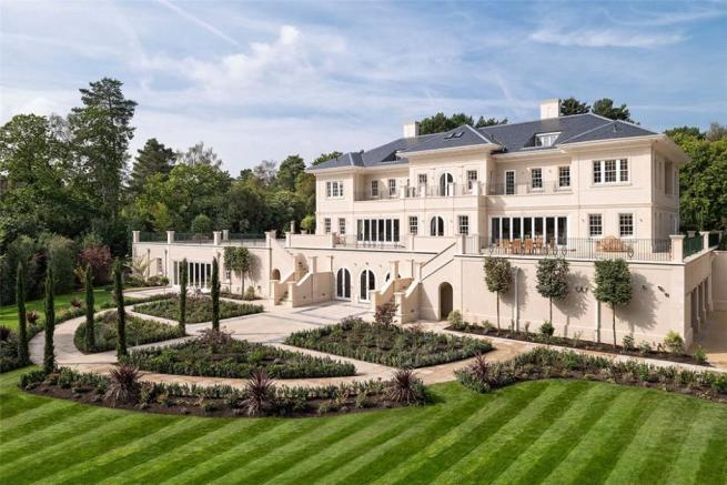 Windlesham  Setting. 8 bedroom detached house for sale in Windlesham Court  Snows Ride