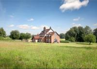 5 bed Detached home for sale in Haresfoot Park...