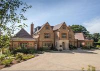 6 bed Detached property for sale in Durford Wood...
