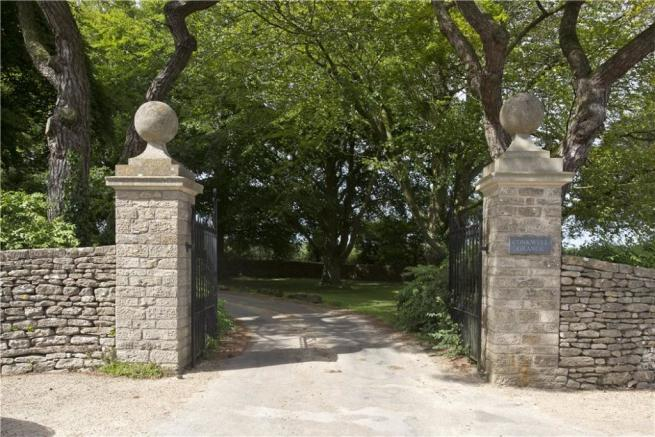 Conkwell Entrance