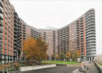 New Providence Wharf Flat to rent
