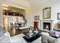 3 bed Flat in Cadogan Square...
