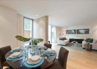 2 bedroom Flat in The Knightsbridge...