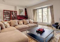 3 bed Flat in Sloane Court West...