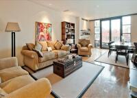 2 bedroom Flat to rent in Trevor Square...
