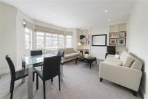 Flat to rent in Crompton Court...