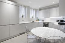 Flat to rent in Lennox Gardens...