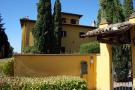 8 bedroom Detached property in Assisi, Perugia, Italy