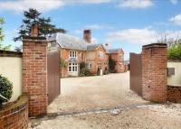 property to rent in Reading Road, Heckfield, Hook, Hampshire, RG27