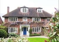 property to rent in Wayneflete Tower Avenue, Esher, Surrey , KT10