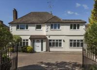 property to rent in Manor Road South, Esher, Surrey, KT10