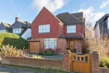 Grove Way Detached house to rent