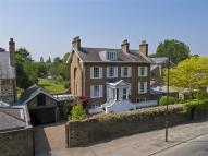 Detached home to rent in Hampton Court Road...