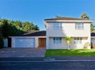 4 bedroom Detached house in Westwood Close, Esher...