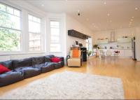 3 bed Flat to rent in Daleham Gardens...