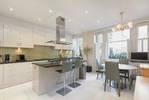 property to rent in St Albans Mansions, London, W8
