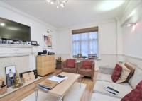 Flat to rent in Chesterfield House...