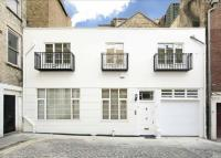 property to rent in Market Mews, Mayfair, London, W1J