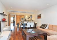 2 bed Flat to rent in Howard Building...