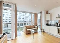Flat to rent in Hepworth Court...
