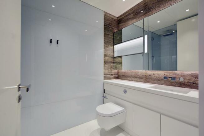bathroom 3b