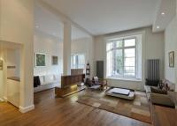 6 bedroom Flat in Sutherland Avenue...
