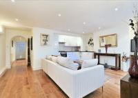 2 bed Flat to rent in Alma Square...