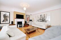 5 bedroom semi detached home to rent in St John's Wood Road...