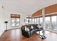 property to rent in Swan Court, City Quay, Star Place, St Katharine Dock's, London, E1W