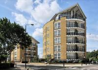1 bedroom Flat in Hermitage Waterside...